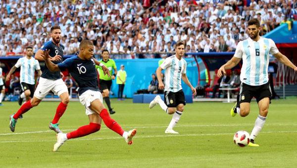 Rusya'da Gerçekleşen Dünya Kupasının İlk Çeyrek Finali Belli Oldu